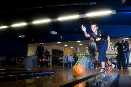 Jurassic Fun Centre: Ten pin bowling