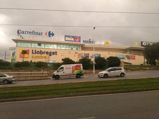 Cornella de Llobregat, Spain: Exterior Centro Comercial