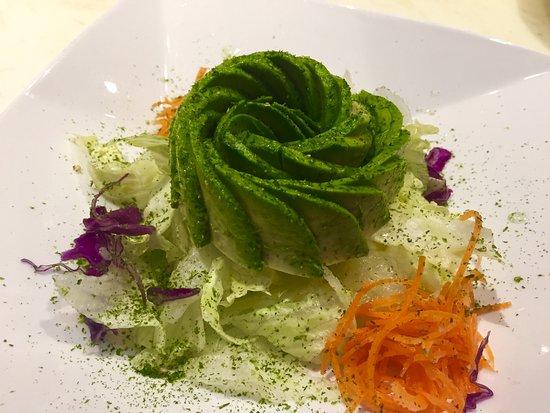 Emerson, NJ: Avocado Salad