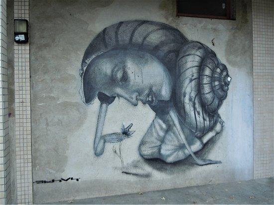 Fresque Femme Escargot