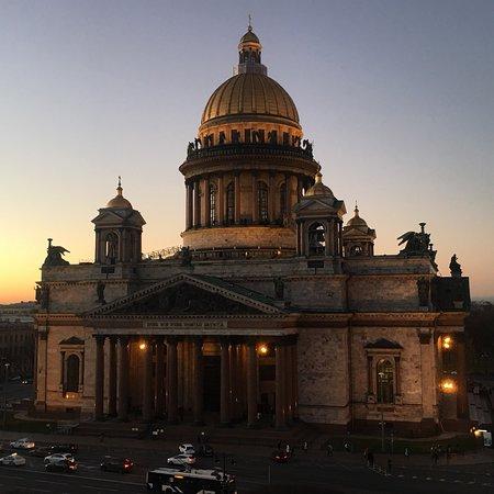 Петербургская гостиница «Астория» вошла в авторитетный рейтинг ...   450x450