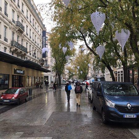 rue de la république lyon liste magasins