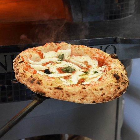 Ciaooo: Pizza Margherita Napoletana