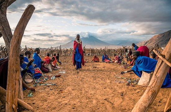Lake Natron, Tanzania: Женщины масаи демонстрируют свое рукоделие.