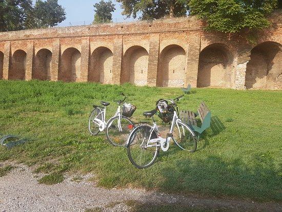 Le Mura di Ferrara: Ferrara - city walls