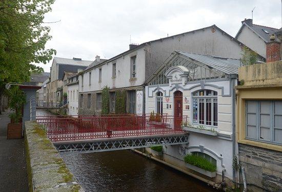 Morlaix, Francie: un canale con le case