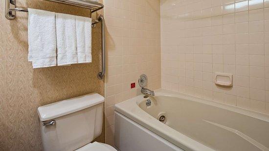 Ontario, OR: Guest Bathroom