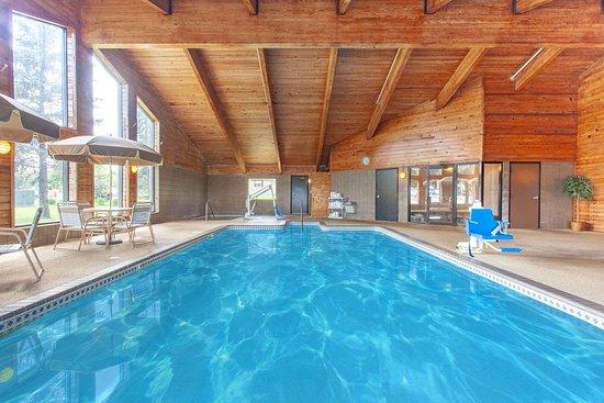 Hutchinson, Minnesota: Pool