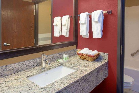 Hutchinson, Minnesota: Guest room bath