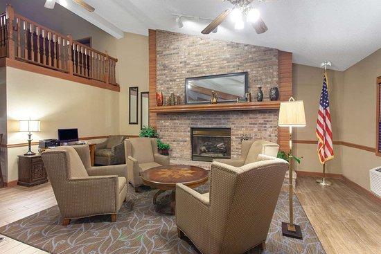 Hutchinson, Minnesota: Lobby