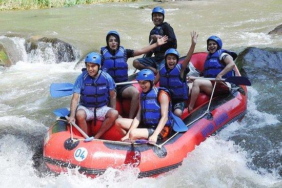 Telaga Waja Rafting och Uluwatu Tour