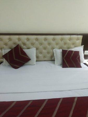 Excellent hotel grace in karolbagh