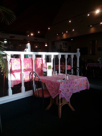 Tuk Tuk Bangkok Cafe: Decor from the seventies...
