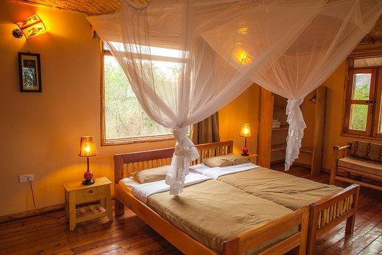 Marafiki Safari Lodge: Twin cottage comfort