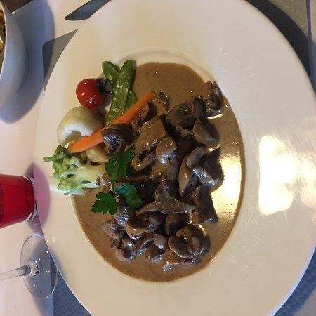 Sandre Sur Lit De Choucroute Picture Of De La Cuisine Au Jardin