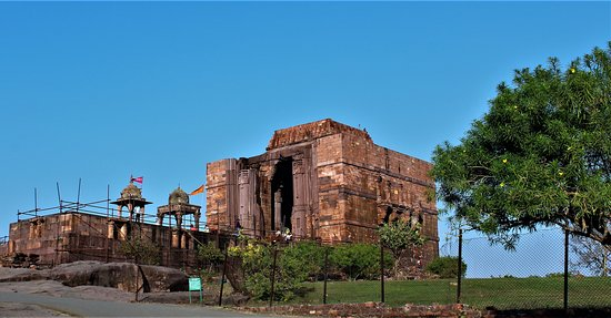 Bhojpur, un des plus gros lingam monolithique