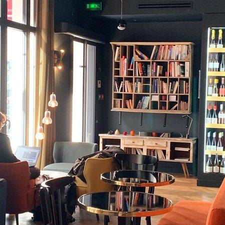 Cute small hotel in Paris