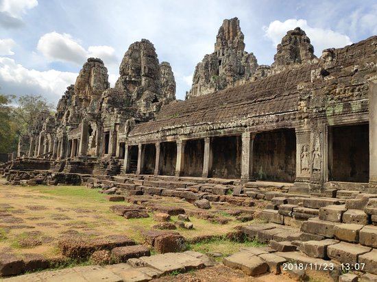 Guided Angkor Temple Bike Tour from Siem Reap Inclusive of Lunch – fénykép