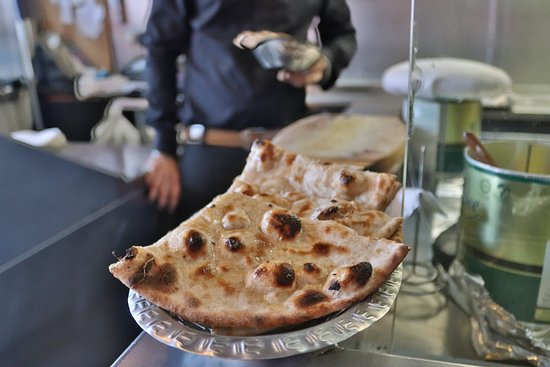 Perfect with any curry, But fancy trying something different like this tandoori naan