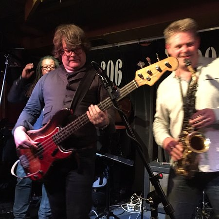 Noel McCalla and Derek Nash making one of the best tributes to Stevie Wonder at the 606 Club.