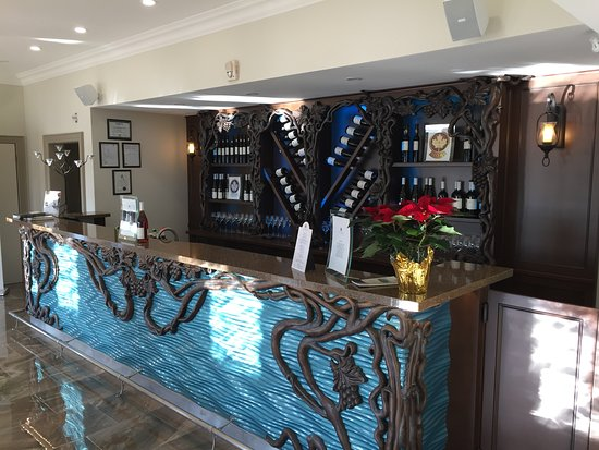 Lundy Manor Wine Cellars Picture