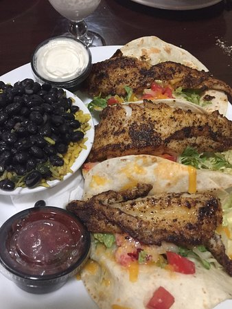 Ozona, FL: Fish tacos