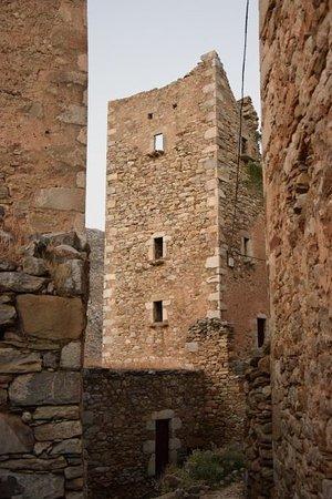 torre del mani vathia