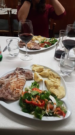 Viggiu, Italy: Menu' pranzo completo a soli 13 euro...bevanda e caffe' incluso