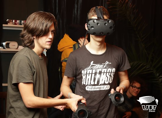 Miercurea-Ciuc, Romanya: Our staff is always ready to give you an unforgettable VR experience:)