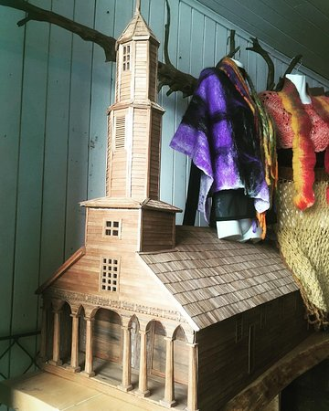 Chonchi, Chile: Iglesia escala en madera Alerce - Aldachildo