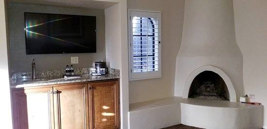 Mini Bar and Fireplace - Patio King Suite