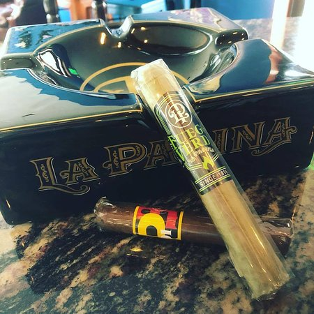 Rochester, Индиана: Offering La Palina Cigars