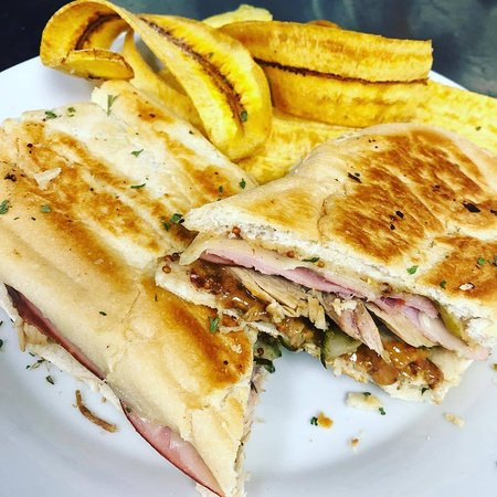 Rochester, Индиана: Seasonal Cuban with Smoked Turkey and Cranberry Mustard
