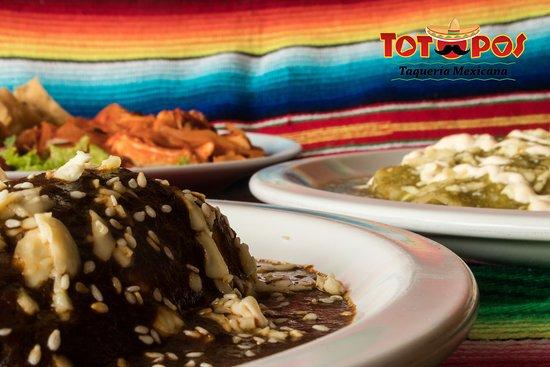 Sopa De Tortilla O Sopa Azteca Fotografia De Totopos Restaurante