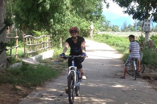 Full-Day Bike Tour fra Hue til Hoi An