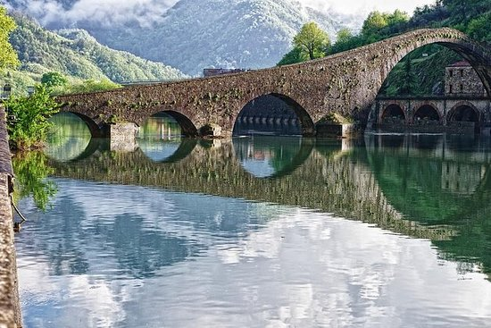 Garfagnana and Barga half day tour by...