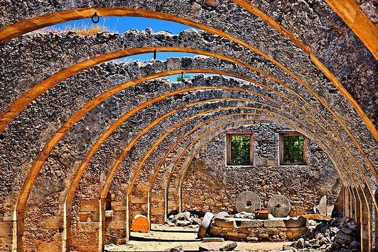 Explore East Chania Mainland - The 7...