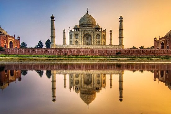 Experience Tajmahal Private Day Trip to...