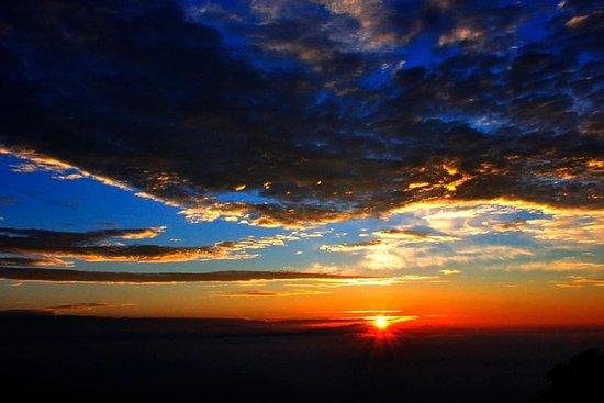 特別な朝のエクスカーション:トラベルヒルでの日の出