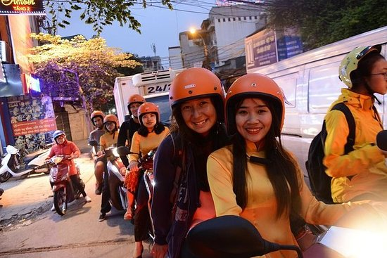 Hanoi By Night Foodie Tour en moto
