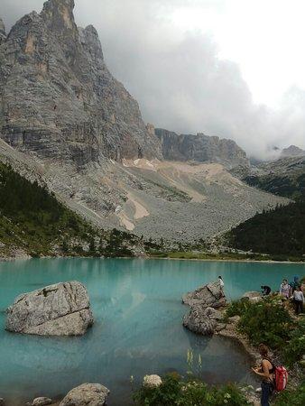 Lago di Sorapiss: Lago Sorapiss, dal particolare colore turchese.