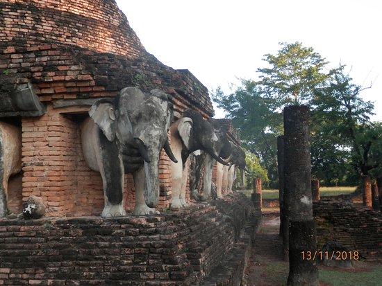 Bilde fra Wat Chang Lom