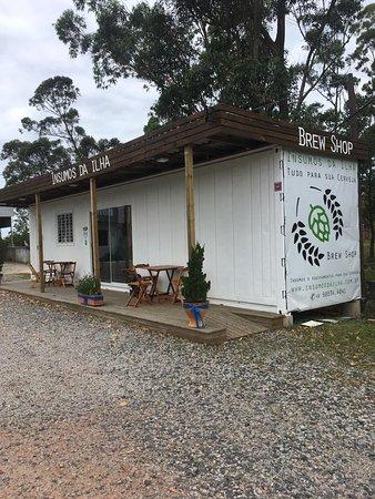 Campeche: Área externa da loja, para os apreciadores de uma boa cerveja.