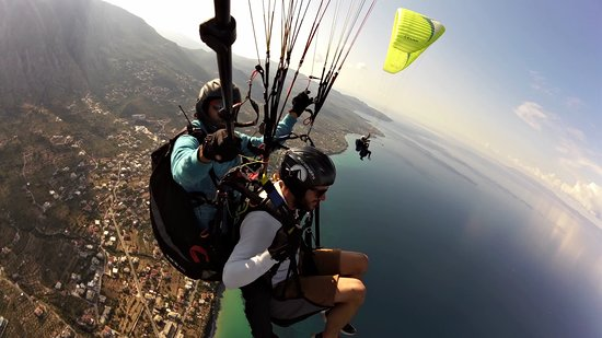 Addictive Flights - Paragliding Kalamata