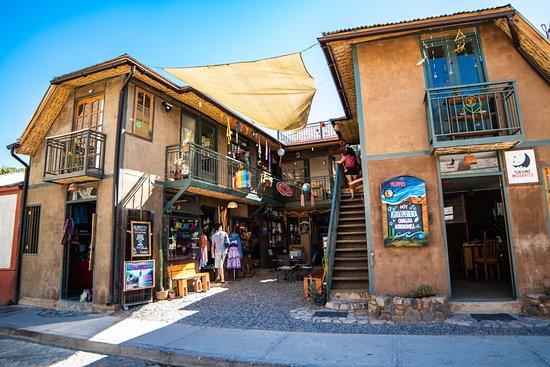 Pisco Elqui, Chile: Fachada de Turismo Migrantes