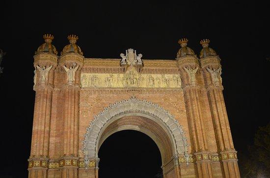 Arc de Triomf @ night