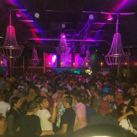Lives Megaclub