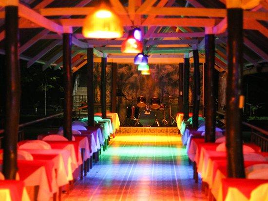 Jconfarm Restaurant at night
