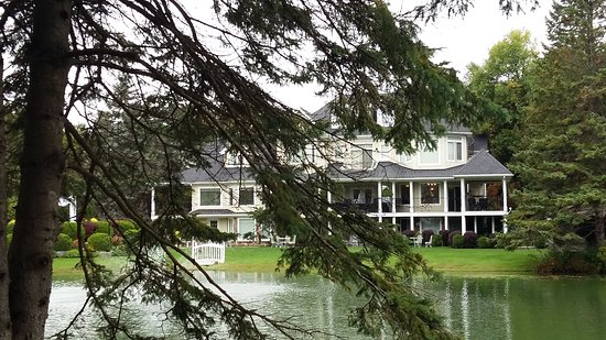 Nestleton, Canada: Across the pond