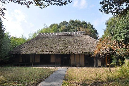 Kiyose, Japan: 多摩地区で茅葺き屋根の農家を保存しているのは珍しいですね